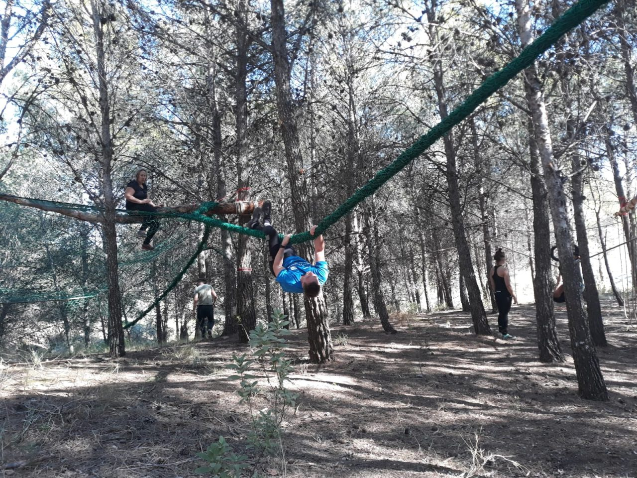 apenhang tijdens survivalrun in Spanje