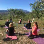 yoga tijdens yoga en hiken/trailrunnen vakantie