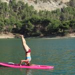 sup yoga in yoga en actief outdoor retreat