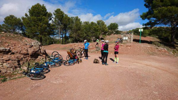 welverdiende pauze tijdens mountainbiken in spanje