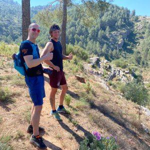 #de mannen tijdens outdoor sportvakanties op maat in Spanje voor na de corona crisis